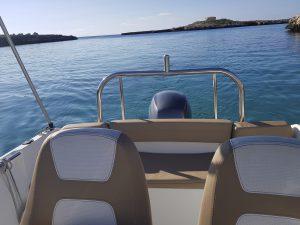 Lancha en Menorca
